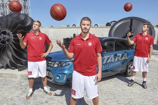 Suzuki kibicuje koszykarzom podczas turnieju EuroBasket