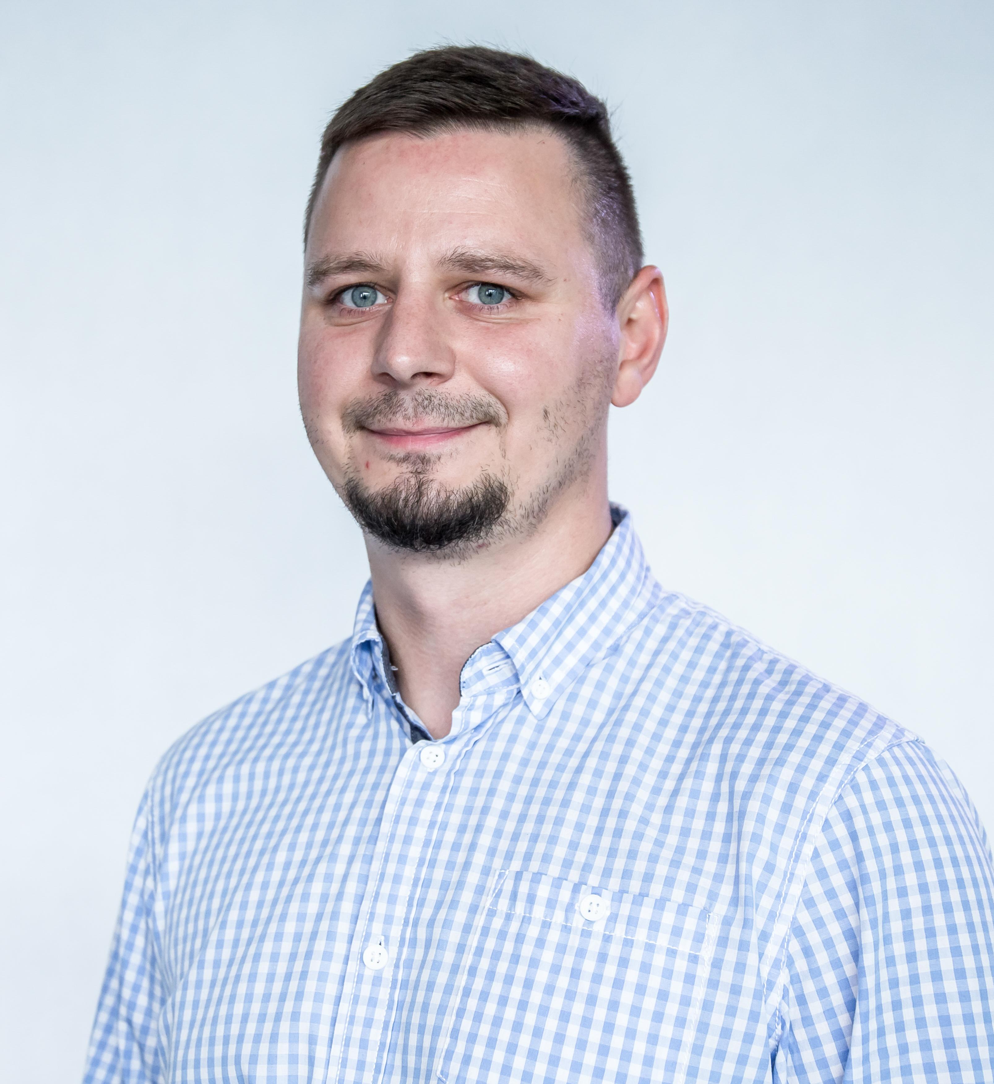Marek Chmal