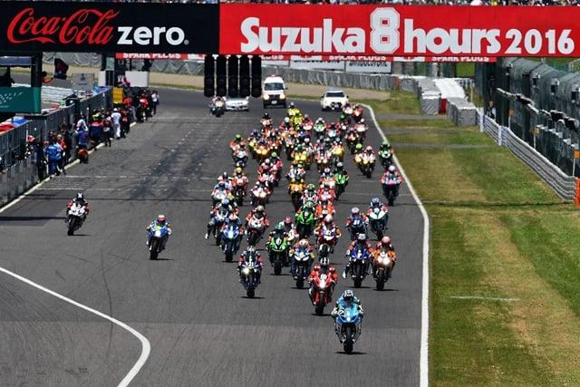 Yoshimura Suzuki na podium legendarnego wyścigu 8h Suzuka