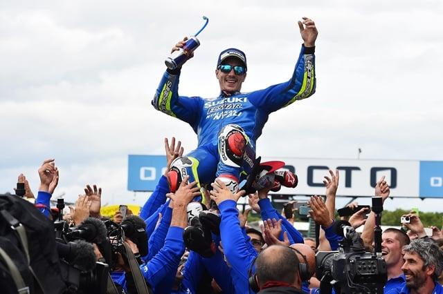 Vinales i Suzuki wygrywają GP Wielkiej Brytanii