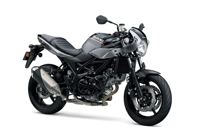 Nowość w gamie motocykli Suzuki - ponadczasowy v-twin roadsport SV650X cafe racer